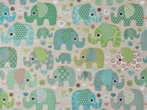 Dekoleinen Elefanten grün