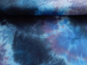Baumwoll-Jersey gebatikt in Blautönen