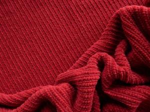 Chenille-Strickstoff rot