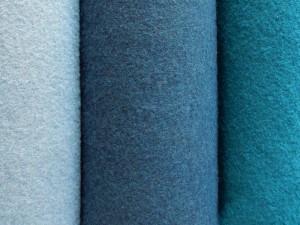 Schurwoll-Walkstoffe in Blautönen