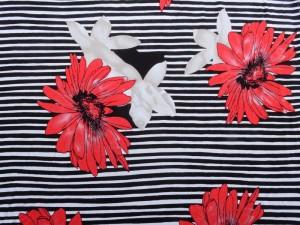 Viscose-Jersey Streifen mit Blume rot