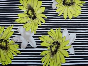 Viscose-Jersey gestreift mit Blume grün