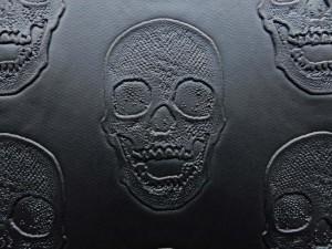 Lederimitat Skull schwarz
