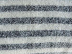 Schurwoll-Strickstoff grau gestreift