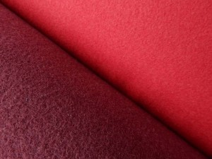 Schurwoll-Walkstoffe rot und weinrot