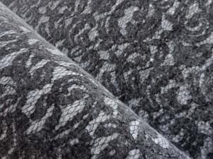 Winterflanell mit Spitzenoptik grau