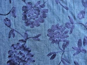 Jeans-Stoff bestickt blau